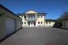 Exklusive Einfamilienhausvilla mit zwei Garagenhäusern, Einliegerwohnung, Schwimmbad und Luxus-Einbauküche! - 4_Außenansicht