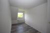 Familienfreundliche Doppelhaushälfte in begehrter Lage vis-à-vis der Poststraße - Schlafzimmer 1